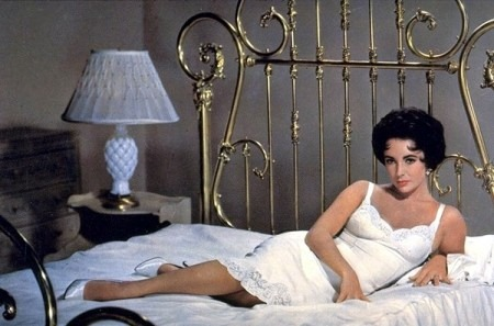 Elizabeth-Taylor-Cat-On-A-Hot-Tin-Roof-1958-450x297