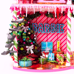 Barbie™ Very Merry Cabin 3