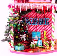 Barbie™ Very Merry Cabin 3