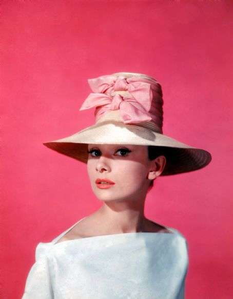 Audrey Hepburn in funny face fishing 1