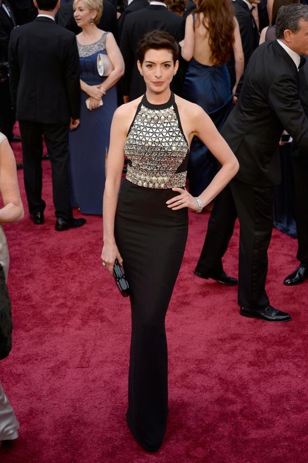 HP-2014-Anne Hathaway-Gucci