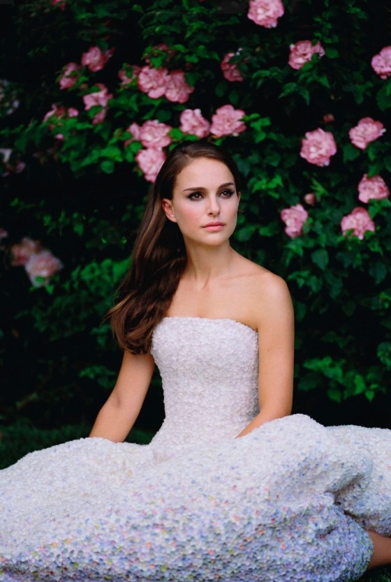 Natalie-Portman---Miss-Dior-Perfume-2013--04-560x834