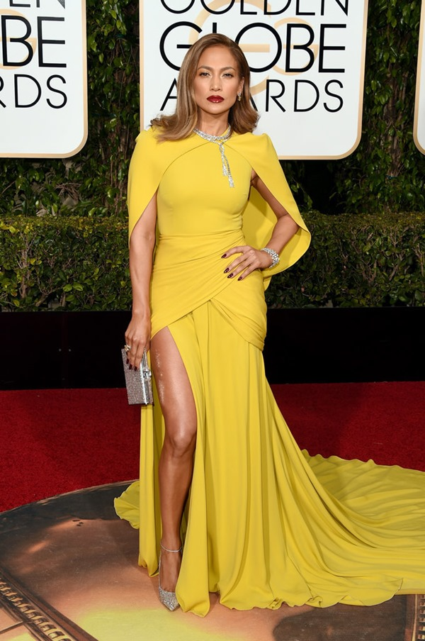 Jennifer-Lopez in giambattista valli from popsugar