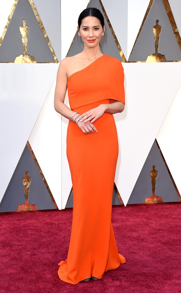 Academy-Awards-Oscars-olivia-munn_in Stella McCartney