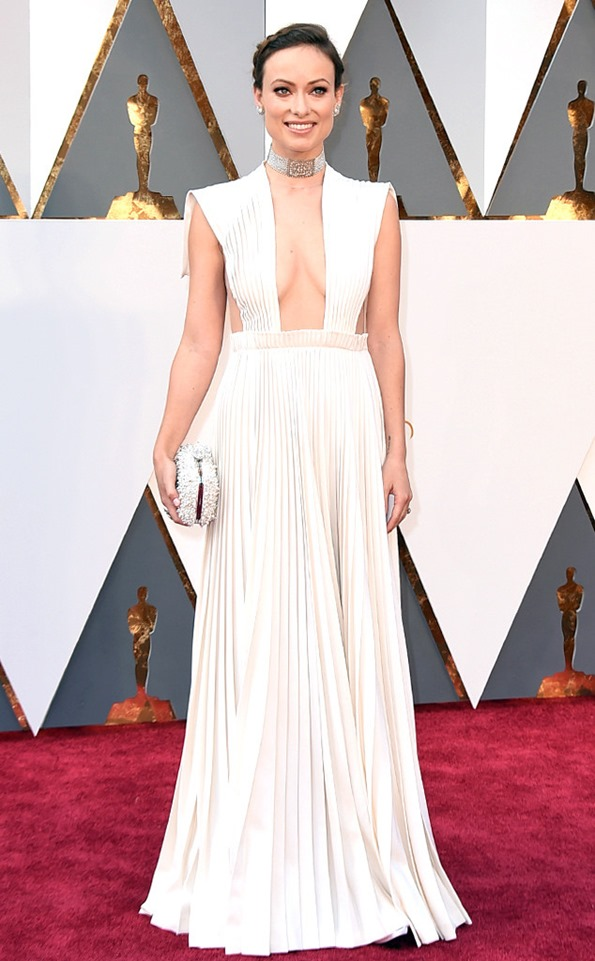 Olivia-Wilde-Oscars-2016-Academy-Awards in Valentino
