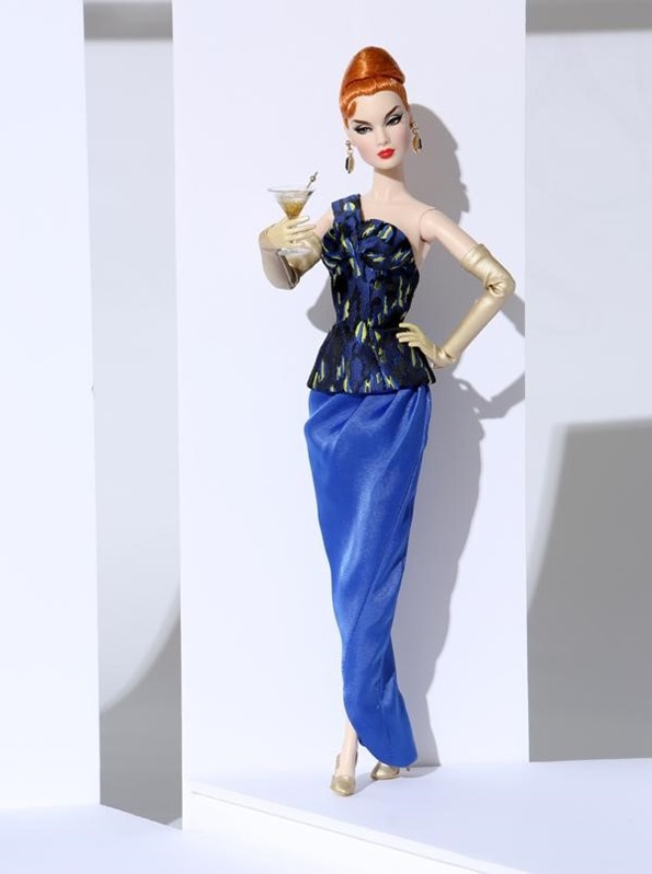 ©2018 Integrity Toys, Inc.-East 59th Collection-Blue Gold Victoire Roux