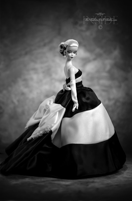 ©2019 ITFDS- Black and White Forever Barbie