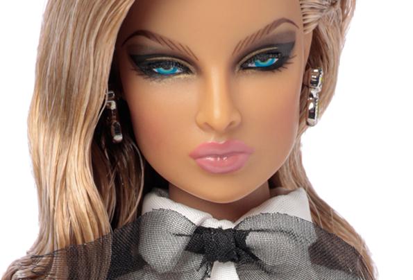 ©2020 Integrity Toys Inc.-Le Tuxedo Eugenia Perrin Frost 2
