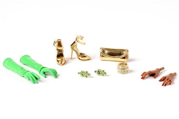 ©2020 Integrity Toys Merry & Bright Della Roux